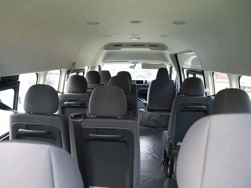 Foto Interior Toyota Hiace Terbaru